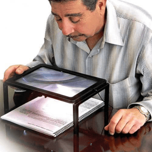 table magnifier
